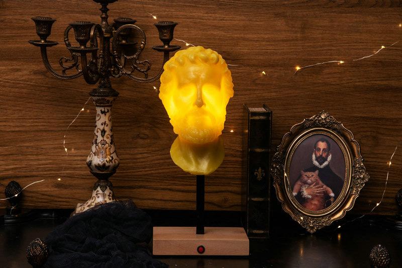 Зажженная свеча